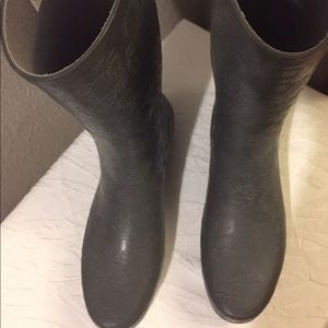 UGG All Weather Rubber Rain Boot Sz 10